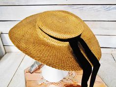 Vintage Women's Straw Hat  Retro Summer Boater by MemoryOfThePast