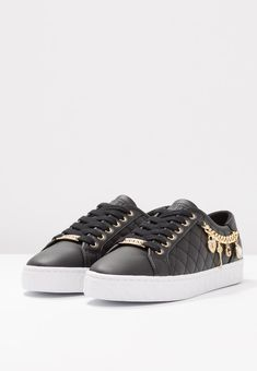 Guess Shoes, Adidas Shoes, Front Row, Louis Vuitton, Sneakers, Outfits, Black, Fashion, Artificial Leather