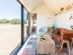 Great colour combinations in this Portable Home by design studio Abaton.