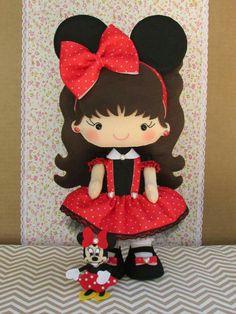 Felt Christmas Ornaments, Rag Dolls, Felt Crafts, 2d, Minnie Mouse, Gift Ideas, Cool Stuff, Disney Characters, Sewing Dolls