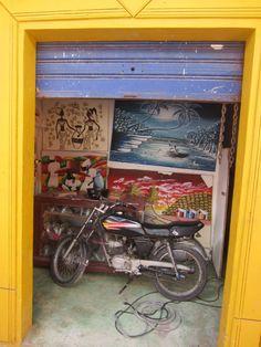 Republica Dominicana, Bike In Art Gallery Dominican Republic, Art Gallery, Bike, Painting, Bicycle Kick, Art Museum, Bicycle, Fine Art Gallery, Painting Art