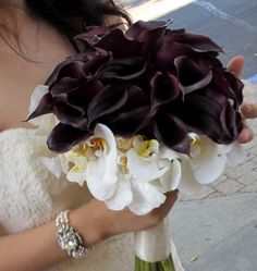 Fall Spring Summer Winter Black Ivory Purple White Bouquet Wedding Flowers Photos & Pictures - WeddingWire.com