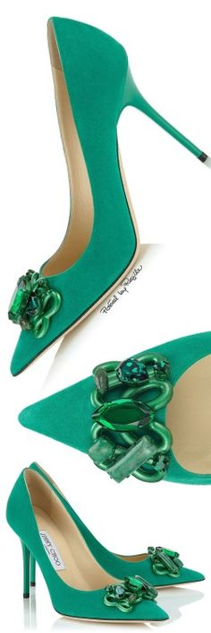 Regilla ⚜ Una Fiorentina in California by Jimmy Choo Walk In My Shoes, Me Too Shoes, Pretty Shoes, Beautiful Shoes, Hot Shoes, Shoes Heels, Louboutin Shoes, Chic Chic, Green Shoes