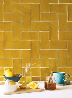 Kitchen backsplash ideas that will brighten and modernize your kitchen. with cabinets, diy for big and small kitchen - white or dark cabinets, yellow tile patterns Kitchen Time, Summer Kitchen, New Kitchen, Kitchen Yellow, Kitchen Ideas, Kitchen Design, Yellow Kitchen Wallpaper, Yellow Kitchens, Awesome Kitchen