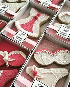 Lorena Rodriguez. Cancer awareness cookies. #lorenarodriguez #awarenesscookies #love #fight #strong