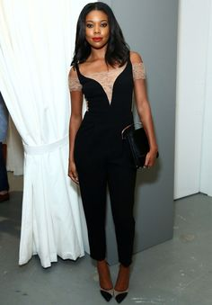 gabrielle-union-red-carpet-macacao-preto-scarpin-transparente