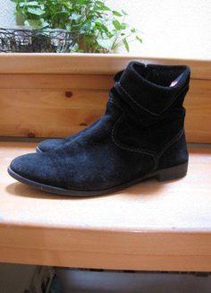 Kaufe meinen Artikel bei #Kleiderkreisel http://www.kleiderkreisel.de/damenschuhe/stiefel/137386851-schwarze-halbhohe-stiefel-von-tamaris-in-grosse-38