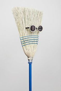 If i were a broom I'd be chillin' too