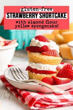 Diet Desserts, Gluten Free Desserts, Strawberry Shortcake Dessert, Yummy Treats, Yummy Food, Stuffed Shells Recipe, Cookie Cups, Healthy Sweets, Grocery Store