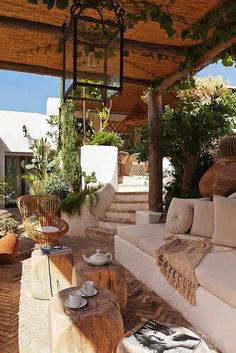 19 Ways to Improve Your Outdoor Decor?