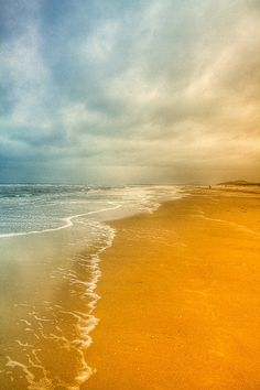 Balade sur la plage au Touquet (don't know what that says or means but this is a gorgeous pic... LOL)