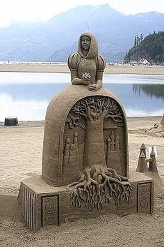 Oregon Beach Sand Sculpture contest 2010-gotta find out when and where this is happening this year