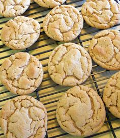 The Skimpy Pantry: Soft and Chewy Peanut Butter Cookies