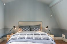 Slaapkamer inrichten met trendkleur denim drift romantisch classic stijl ©BintiHome