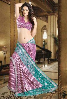 Beautiful Girl Indian, Most Beautiful Indian Actress, Beautiful Saree, Beautiful Roses, Beauty Full Girl, Beauty Women, Party Wear Sarees Online, Indian Photoshoot, Saree Models