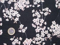 STOFF Kirschblütenzweige auf schwarz strukturiertem Stoff