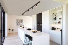 Loft Kitchen, Kitchen Interior, New Kitchen, Kitchen Design, Marble Countertops, Kitchen Countertops, Island Stools, Interior Architecture, Interior Design