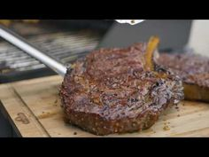 Gas Bbq, Bbq Grill, Potato Wedges Recipe, Smoking Meat, Grilling Recipes, Steak, Easy Meals, Potatoes, Beef