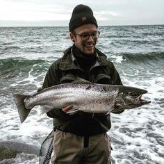 #havørred #havørredfiskeri #havorredfiskeri #spinfishing #seatrout #seatroutfishing #fishinglures #stubs #stubs-fiskeudstyr #simms #stevnsklint #stevns #2bissen New PR for my friend while fishing on Sjælland Stevns. 4.2kg seatrout caught on 2-bissen  by seatroutdenmark