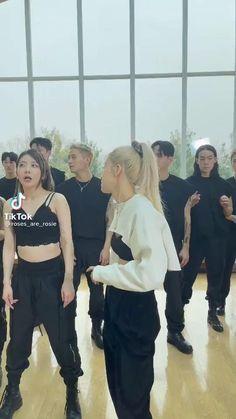 Kpop Girl Groups, Korean Girl Groups, Kpop Girls, Black Pink Songs, Black Pink Kpop, Hip Hop Dance Videos, Dance Kpop, Blackpink Funny, Black Pink Dance Practice