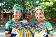 #StyleBlogger #African #Fashion #Trends #CarlaFernandes #AfroTwins #TinaPalalane #Mozambique #AfricanPrint #AfricanFabric #Ankara #Capulana #BirthdayShoot Carla XIII blog by Carla Fernandes | www.carlaxiii.com African Fabric, Ankara, African Fashion, Afro, Blog, Fashion Trends, African Wear, African Fashion Style, Trendy Fashion
