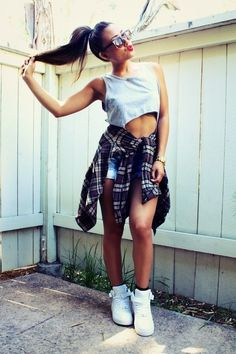 Best women white sleeveless blouse Trends in Fashion 2019 Legging Outfits, Sporty Outfits, Summer Outfits, Cute Outfits, School Outfits, Fashion Outfits, Grunge Outfits, Swag Fashion, Fashion Hair