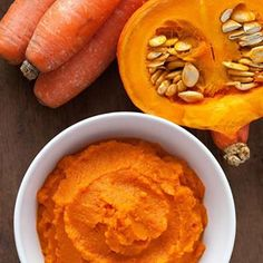 Mashed pumpkin and carrot, spiced up with paprika and orange juice Spice Things Up, Hummus, Salad Recipes, Health And Wellness, Tex Mex, Carrots, Side Dishes, Tiramisu, Vegetarian