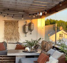 10 gode tips til en koselig uteplass - Franciskas Vakre Verden Outdoor Spaces, Outdoor Decor, Backyard, Patio, Small Apartments, Beautiful Gardens, Kos, Terracotta, Pergola