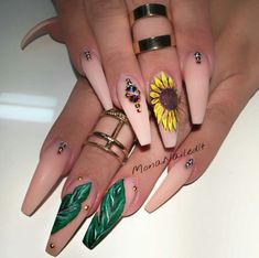 Nail art Christmas - the festive spirit on the nails. Over 70 creative ideas and tutorials - My Nails Get Nails, Dope Nails, Fancy Nails, How To Do Nails, Fabulous Nails, Gorgeous Nails, Pretty Nails, Stiletto Nails, Coffin Nails