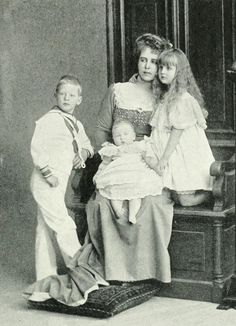 Crown Princess Marie of Romania and children Romanian Royal Family, Greek Royal Family, Maud Of Wales, Royal Families Of Europe, Old King, Royal Babies, Queen Mary, Queen Victoria, Old Pictures