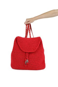 Jackson Backpack in lipstick red by Wool and the Gang #crochet #crochetbag #singlecrochet #leatherstraps #mixtapeyarn