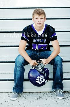 Football senior picture ideas for guys teen teens tags boise Senior Boy Poses, Senior Portrait Poses, Senior Guys, Senior Year, Portrait Ideas, Senior Session, Guy Poses, Male Poses, Portrait Photo