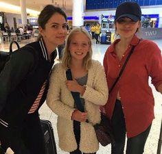 Shelley Hennig in New York airort