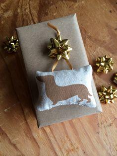 Dachshund Christmas Ornament / #Christmas #Holiday