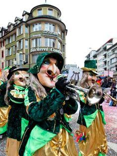 """Fasnacht in Olten vom 19. bis 25. Februar 2020 Jedes Jahr verwandelt sich Olten zur """"fünften Jahreszeit"""" in eine Fasnachtshochburg. Vom 19. bis 25. Februar 2020 sind dieses Jahr die Narren los und feiern. Princess Zelda, Fictional Characters, February, Seasons Of The Year, Switzerland, Fantasy Characters"""