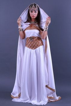 vous seront présentées ; parmi elles les chaadas de Tlemcen les karakoos algérois les Ferganis de Constantine les robes kabyles et bien d'autresu2026