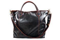 """Lo Shopper 8 Rosso in pelle """"crackata"""" una novità e un accessorio per ogni occasione, da solo rende il tuo """"look"""" speciale. Questa borsa è il risultato di uno studio al fine di ottenere un prodotto che sia espressione di pregio, bellezza e comodità. Il modello ha la tracolla e gli accessori in ottone bronzato. L'interno sfoderato evidenzia il colore della pelle Abbinato un borsellino a bustina per ogni uso. modaiole.it"""