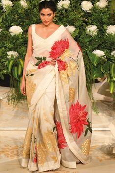 Shop Rohit Bal Chanderi Silk Saree With Blouse , Exclusive Indian Designer Latest Collections Available at Aza Fashions Floral Print Sarees, Saree Floral, Printed Sarees, Indian Attire, Indian Ethnic Wear, Indian Outfits, Indian Style, Indian Dresses, Ethnic Outfits