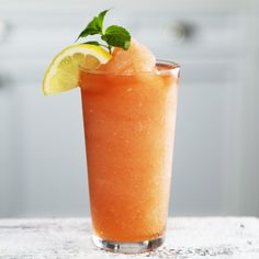 Sweet Tea-Vodka Slushee Recipe | MyRecipes