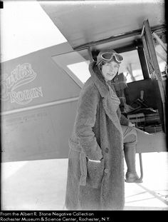 Aviator Elinor Smith - first woman on a box of Wheaties.  1934