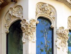 https://flic.kr/p/eg4TB5 | Barcelona - Pg. St. Joan 053 c | Casa Enriqueta Rodríguez de Lacín  1908  Architect: Emili Sala i Cortés