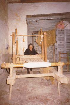 Cyprus tradition Just like my yia yia had Cyprus Island, Greece Photography, Greek Design, Island Nations, Athens Greece, Greek Islands, Rare Photos, Weaving, Traditional