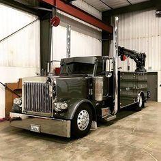 of the coolest service trucks around - Farm Trucks, Big Rig Trucks, Diesel Trucks, Cool Trucks, Semi Trucks, Peterbilt Dump Trucks, Custom Peterbilt, Lifted Chevy Trucks, Peterbilt 379