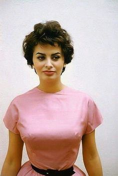 Style Icons Women Inspiration Sophia Loren 70 Ideas For 2019 Carlo Ponti, Brigitte Bardot, Classic Hollywood, Old Hollywood, Loren Sofia, Sophia Loren Images, Sophia Loren Style, Italian Actress, Italian Beauty
