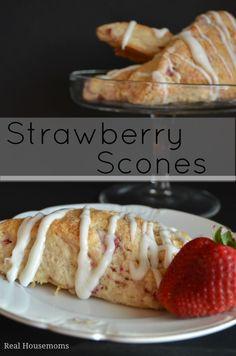 Strawberry Scones | Real Housemoms #BrunchWeek #MothersDay #Scones
