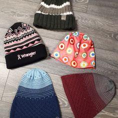 L'hiver n'est pas terminé. Besoin d'une tuque? Stables, Bucket Hat, Hats, Fashion, Products, Winter, Moda, Horse Stables, Bob