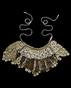 crochet:    (via Walid for CoutureLab - Antique Lace Neckpiece: CoutureLab.com - Stylehive)