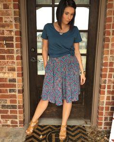 Lularoe Madison skirt and lularoe classic tee knotted!