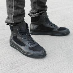 Noodles Nighthawk black #sneaker Noodles, All Black Sneakers, Men's Shoes, Kicks, Footwear, People, How To Wear, Style, Fashion