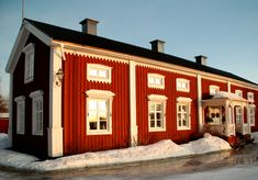 A Norrbottensgård. The traditional house-type where I'm from. I want one.
